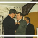 Insignia a Francisco Heras, entrega Juan García Santana.
