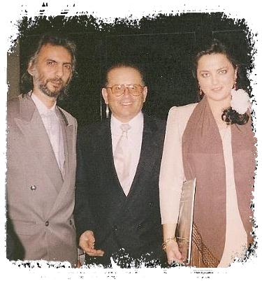 Francisco Pérez, a su izquierda Paqui Lara y a su derecha Quiro Román.