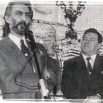 Insignia a Joaquín Román, entrega Francisco Heras.